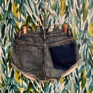 Frayed denim mid rise shorts